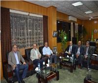 محافظ الإسماعيلية يجتمع بمجلس الدراويش لبحث أزمة فريق الكرة