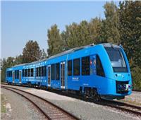 قتيل وعدد من الإصابات بعد خروج قطار عن القضبان بإسبانيا