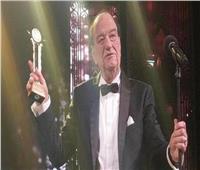 فيديو  «مدير مدرسة الكوميديا».. 10 مشاهد صنعت نجومية حسن حسني