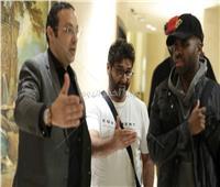 صور| جيسون ديرولو يصل القاهرة استعدادًا لحفله مع تامر حسني