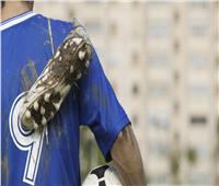 حكايات  اكتئاب وانتحار.. حياة لاعبي كرة قدم بعد تعليق الحذاء