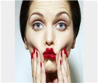 التدخين والضغوط النفسية من أسباب نحافة الوجه.. وهذا الحل