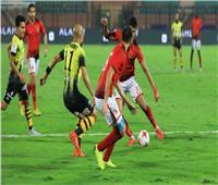ناقد رياضي: «الأهلي» لديه لاعبون لا يستحقون ارتداء تيشرت النادي