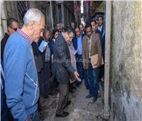 محافظ الإسكندرية يوجه بحلول سريعة لشكاوى الأهالي في «الجمرك»