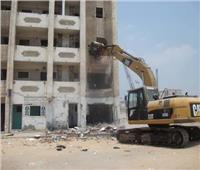 محافظ الجيزة: إزالة 10 أبراج مطلة على كورنيش النيل بالوراق