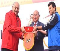 الأهلي يكرم وزير الشباب في ماراثون الدراجات