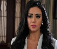 فيديو| فستان «رانيا يوسف» في مجلس النواب