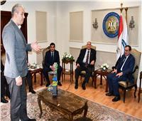 وزير البترول يبحث مع سفير رومانيا زيادة الاستثمارات