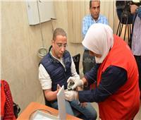 محافظ سوهاج يؤدي فحص «فيروس سي» في مستشفى الحميات