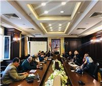 خطة للتنسيق بين شركة الصرف الصحي والأحياء استعدادًا للأمطار بالإسكندرية