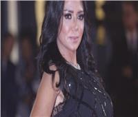 وصول «رانيا يوسف» لمكتب النائب العام لاستكمال إجراءات التحقيق