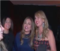 بالفيديو| يسرا وليلى علوي وبشرى يرقصن على أنغام «3 دقات»