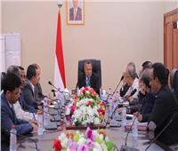 حكومة اليمن تقترح إعادة فتح مطار صنعاء في محادثات سلام