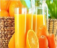 تناول عصير البرتقال في الصباح يقلل من خطر الإصابة بالخرف