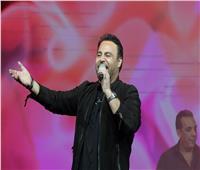 عاصي الحلاني يعلن عن أغنية جديدة في حفل رأس السنة