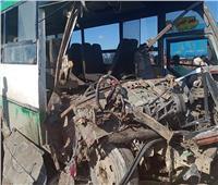 إصابة 16 شخصًا في تصادم بين أوتوبيس وتريلا بالبحيرة