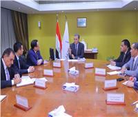 وزير النقل يستعرض مع وفد CCECC الصينية الفرص الاستثمارية في السكك الحديدية