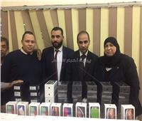 ضبط 78 هاتف «أيفون» داخل ورق كربون بمطار القاهرة