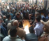 وصول جثمان الكاتب الصحفي إبراهيم سعدة إلى دار أخبار اليوم
