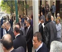 ياسر رزق يتلقى العزاء في وفاة الكاتب الكبير إبراهيم سعدة
