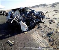 مصرع وإصابة 6 في انقلاب سيارة بطريق الوادي الجديد