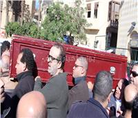 صور وفيديو| تشييع جنازة الفنان حسن كامي من مسجد السيدة نفيسة