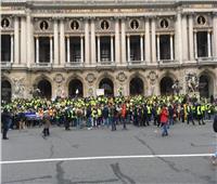 صور| بابا نويل والمحتج الروماني.. آخر صيحات احتجاجات «السترات الصفراء»