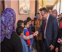 محافظ الإسكندرية يطلق مبادرة «عيون ولادنا» للكشف على طلاب المدارس