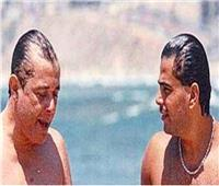 «البحر» يجمع عمرو دياب ومحمود عبدالعزيز في صورة نادرة