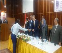 الكهرباء تحتفل بتخريج 56 متدربًا من حوض النيل