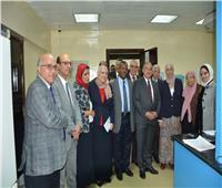 رئيس جامعة أسيوط يفتتح أكبر مجمع معامل مركزية على مستوى الجامعات المصرية