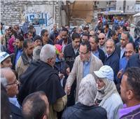 """محافظ الإسكندرية يطلق مبادرة """"بإيادينا"""" بمساكن جنوب المتراس بنجع العرب"""
