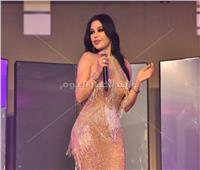 70 صورة - هيفاء تخطف الأنظار بسواريه مثير واستعراضات مميزة في الإسكندرية