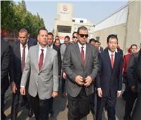 وزير القوى العاملة ومحافظ بني سويف يتفقدان مصنع إنتاج الخميرة