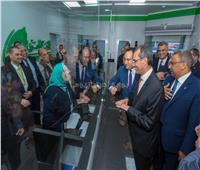 وزير الاتصالات يفتتح مركز الخدمات البريدية بوسط الإسكندرية