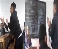 فيديو| طالب يقوم بوصلة رقص في مدرسة.. والطلاب يصفقون