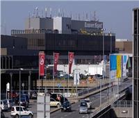 توقف الرحلات بمطار هانوفر بسبب اقتحام رجل منطقة توقف الطائرات بسيارته