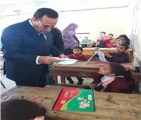 محافظ شمال سيناء يتفقد امتحانات النقل في 5 مدارس