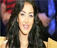 هبة الأباصيري تقدم حفلي عمرو دياب وتامر حسني برأس السنة