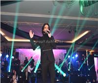 صور| بهاء سلطان والمغربية طاهرة يحتفلان برأس السنة في التجمع