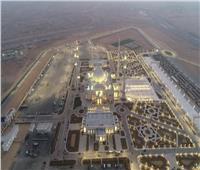 فيديو| مسجد «الفتاح العليم».. تحفة معمارية تنير سماء العاصمة الإدارية
