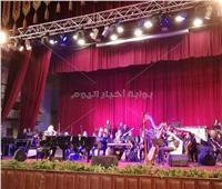 صور| عمر خيرت يتألق في احتفالية جامعة القاهرة