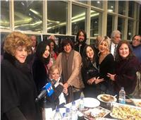 صور| نادية لطفي باكية في عيد ميلادها: «حاسة إني مش هتكرم تاني»