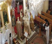 صور| الأنبا بولا يترأس قداس عيد الميلاد بمار جرجس فى طنطا