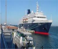 ميناء نويبع يستقل 13 برادا و7 تريلات وسيارة