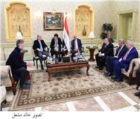 عبد العال يودع رئيس مجلس النواب القبرصي بمطار القاهرة