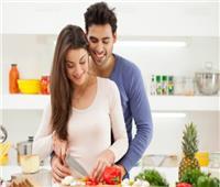 4 نصائح لوقت ممتع مع زوجك بالمنزل.. هل جربتِ ليلة تذوق الحلوى؟