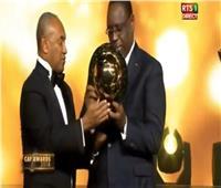 الرئيس السنغالي يتسلم الجائزة البلاتينية في حفل الكاف