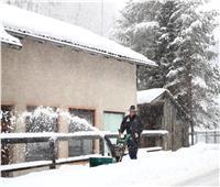 صور| أوروبا تحت حصار الثلوج.. وارتفاع أعداد الضحايا