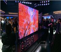 «سامسونج» تكشف عن شاشة ضخمة بحجم 98 بوصة